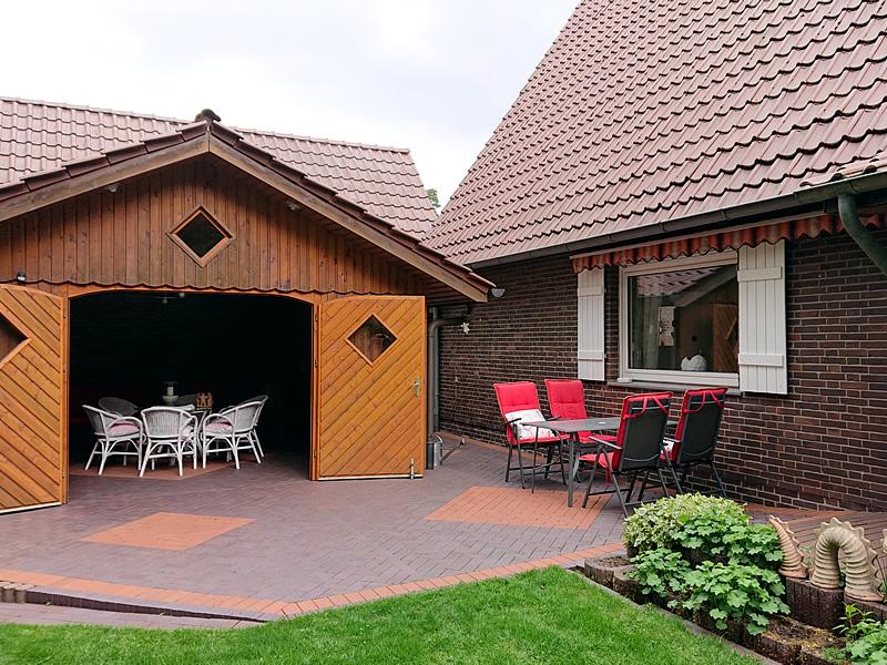sitzgruppe auf der terrasse ferienhaus ahlers eck im. Black Bedroom Furniture Sets. Home Design Ideas