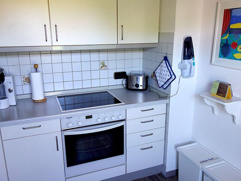 Komplett ausgestattete Küche im Ferienhaus