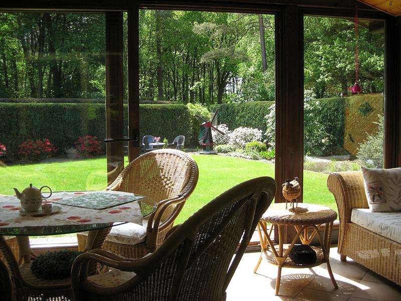 Wintergarten mit Zugang zum Garten